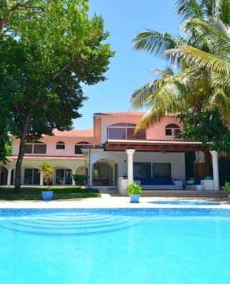beach villa with 5 bedrooms