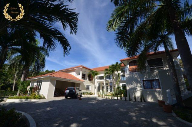 The villa has closed garage areas