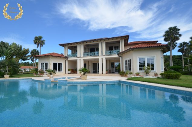This beach villa is just a 5 min drive from the center of Sosua