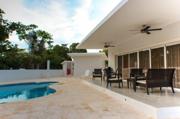 villa coral deck