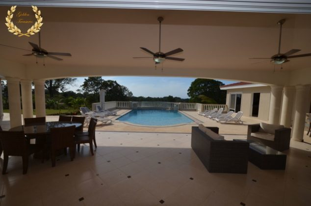villa pool terrace