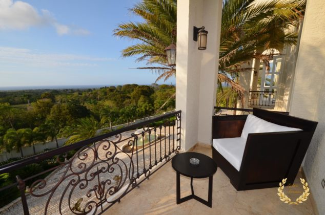 A guest suite balcony
