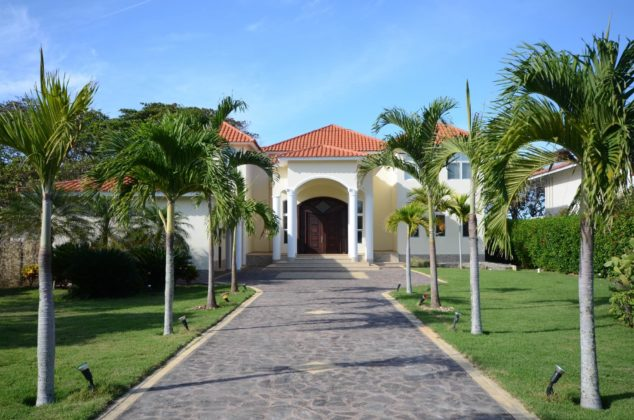 the imposing entrance to the villa in Sosua