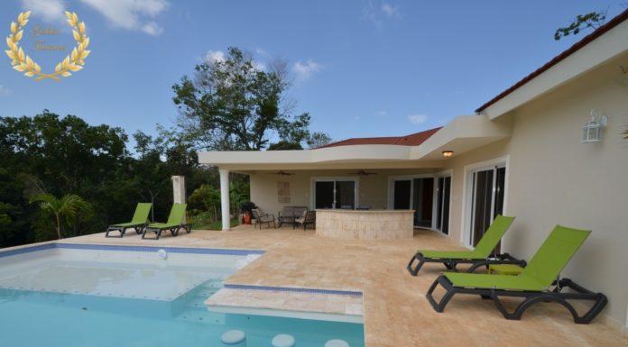 2 bedroom villa rental with shallow pool ledge in Sosua
