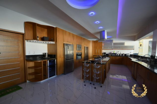 The villa high end kitchen
