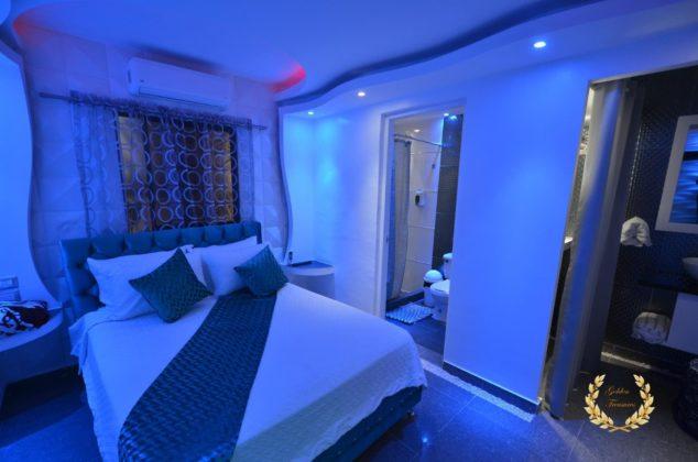 neon suite 5