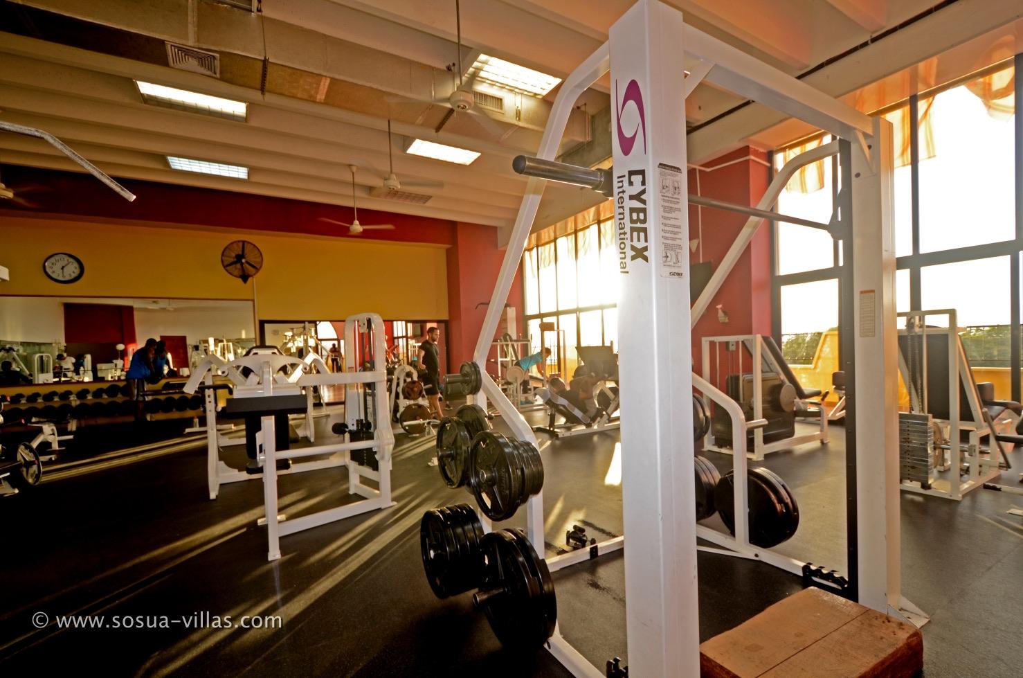 weightlifting-machine